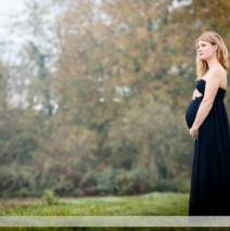 Séance photos de grossesse dans la campagne
